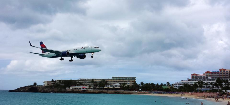 Low-flying Planes in St Maarten